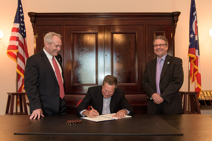 Legislation signed to make public records process in Ohio more accessible to public